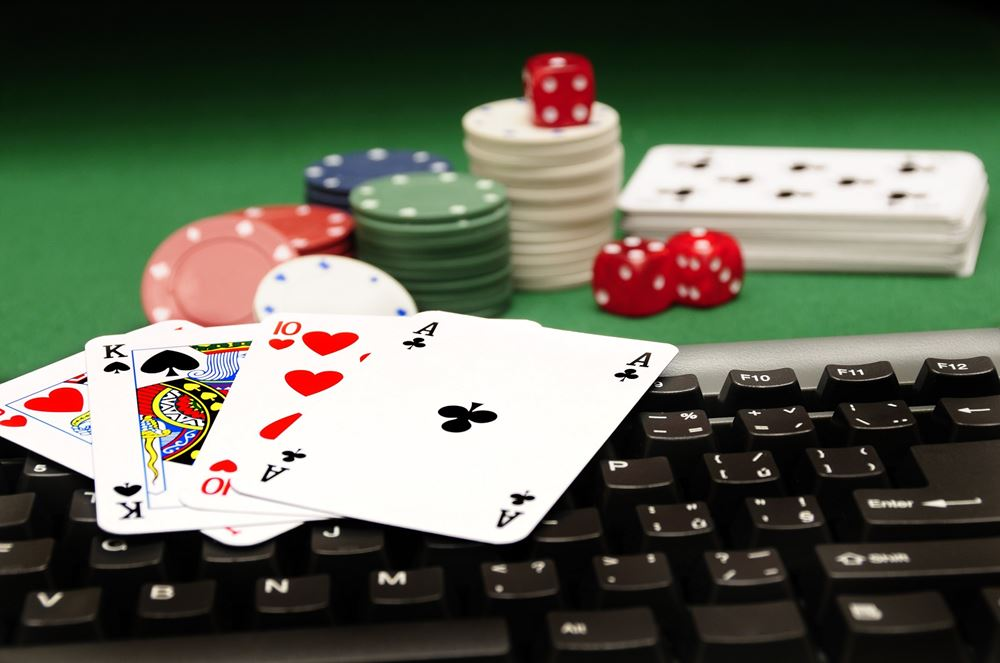 Casino Poker Dealer An Excellent Option For Your Career - Gambling